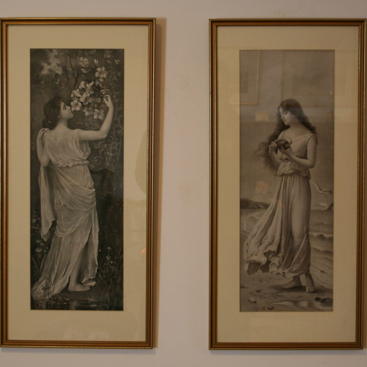 Edwardian print of two ladies/williamsantiques
