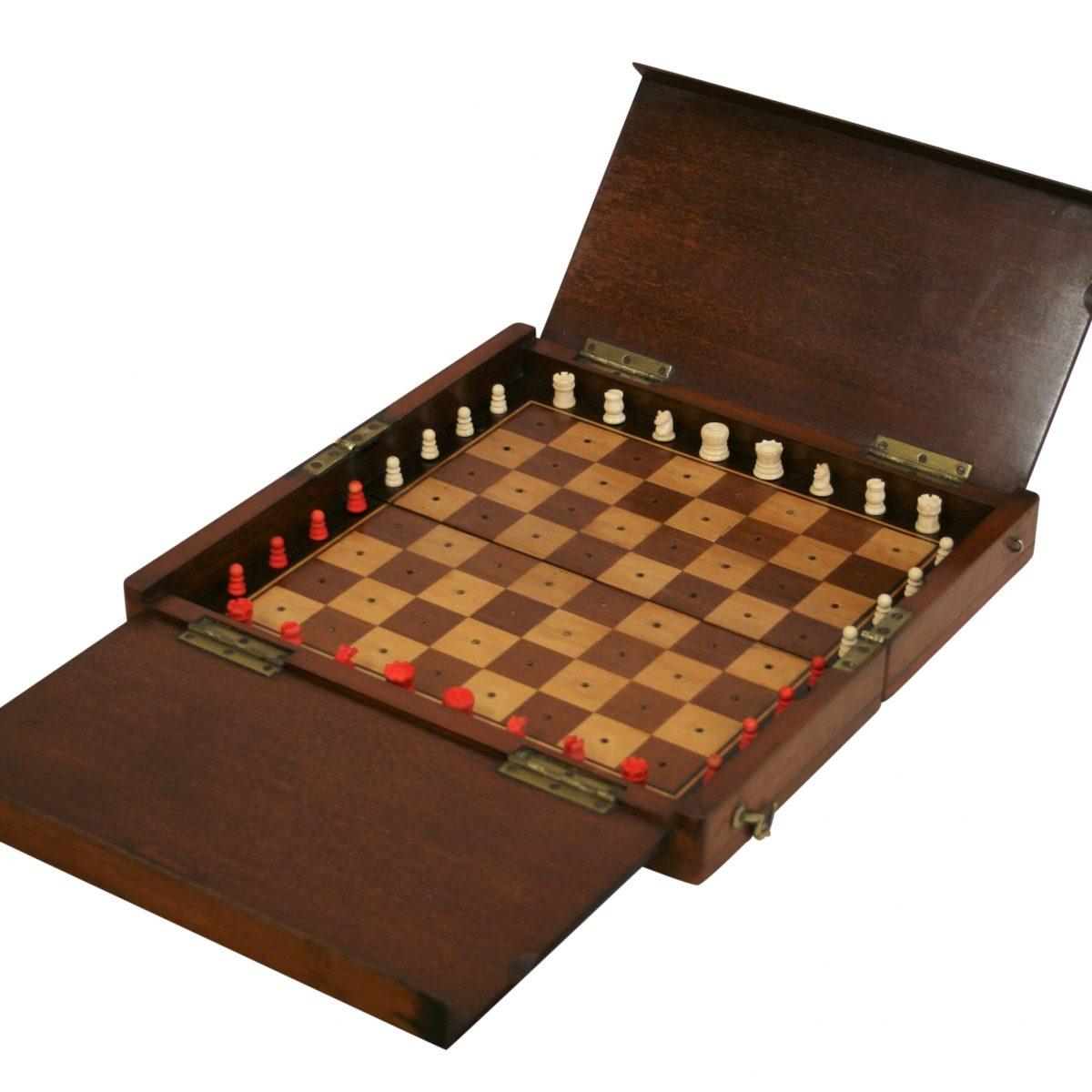 Edwardian travelling chess set/williamsantiques