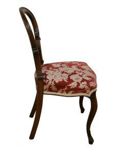 six Victorian walnut balloon back dining chairs/williamsantiques