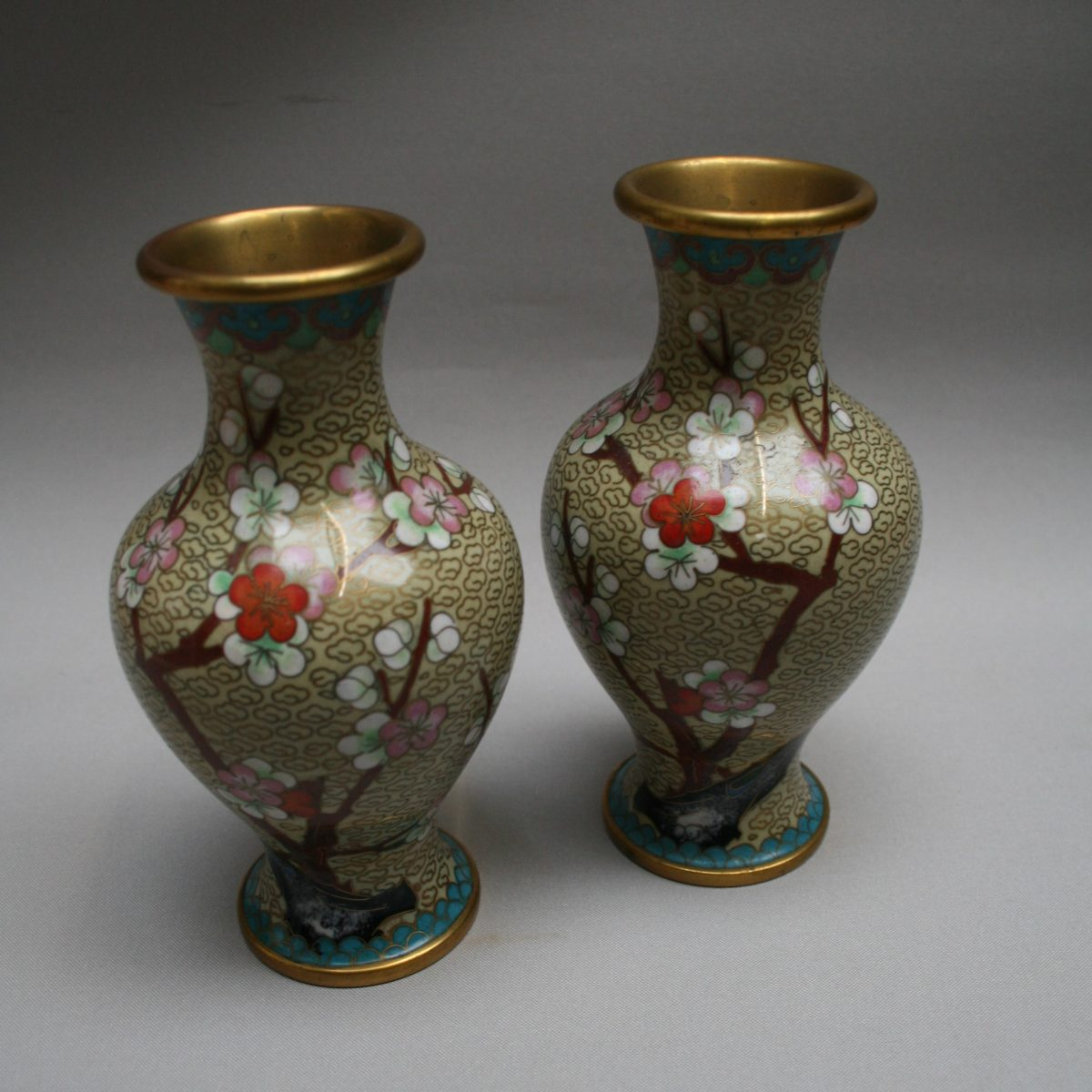 pair of chinese cloisonne vases /williamsantiques