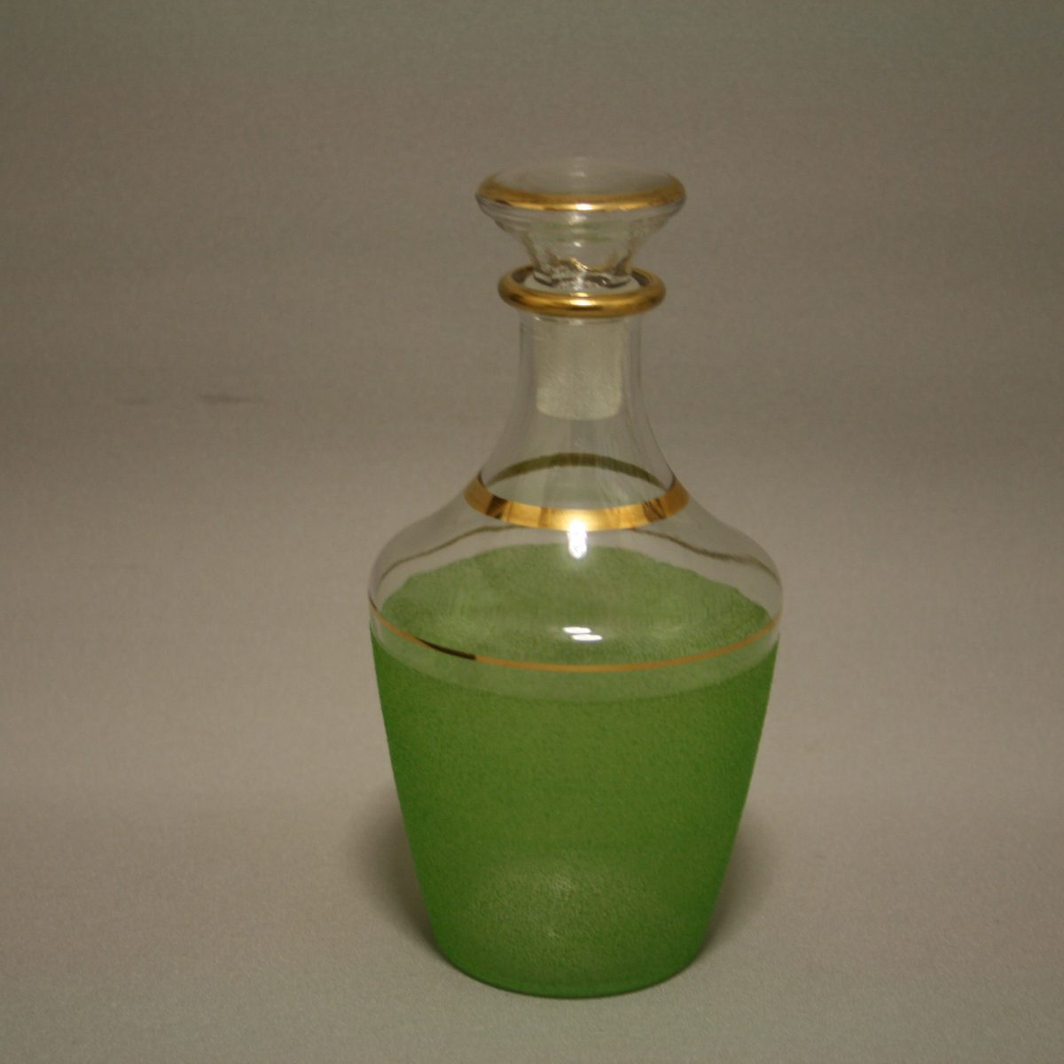 1930's glass decanter/williamsantiques