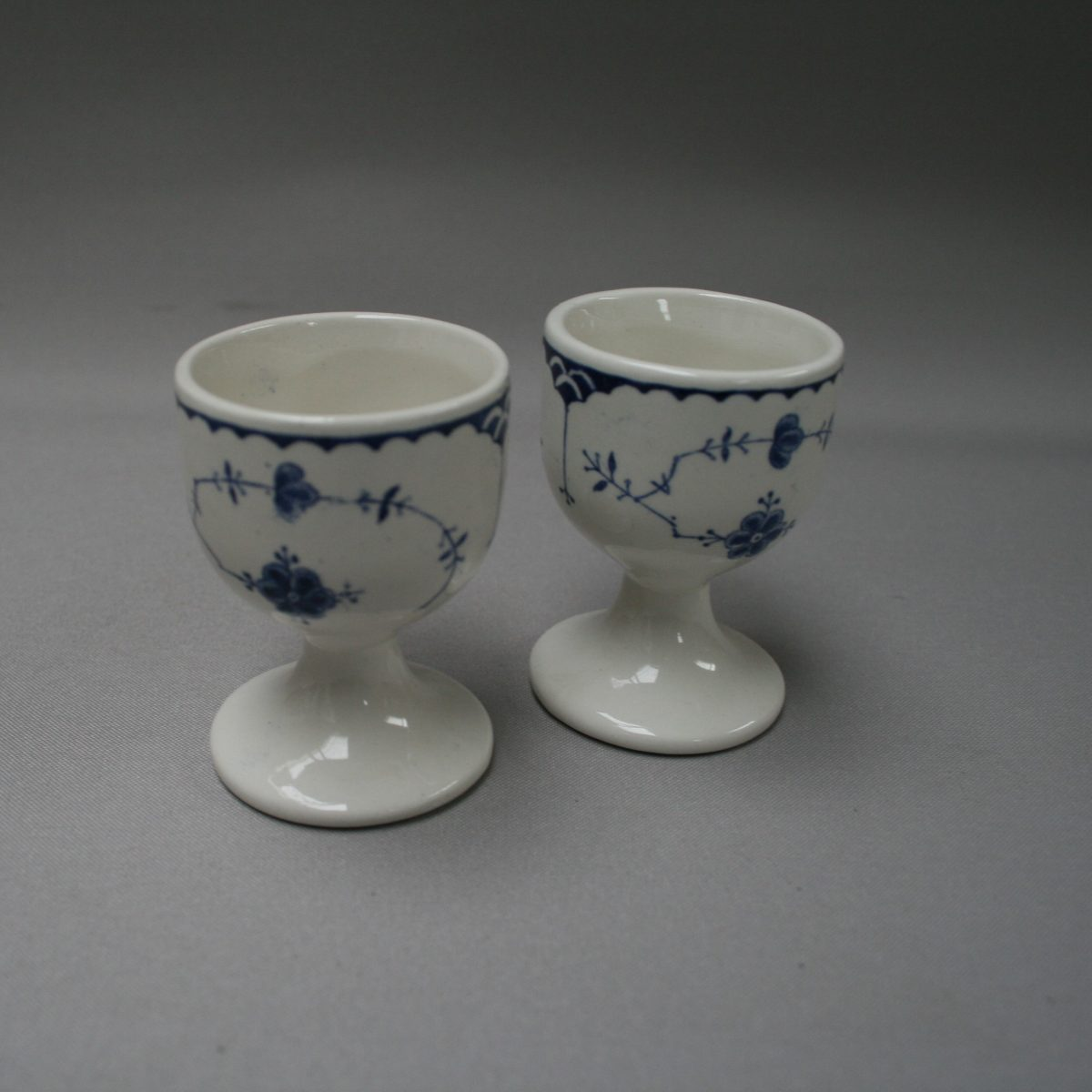 pair of blue and white egg cups/williamsantiques