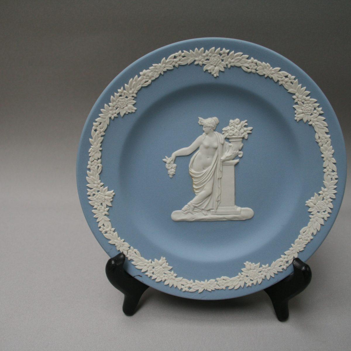 Jasperware plate by Wedgwood/williamsantiques