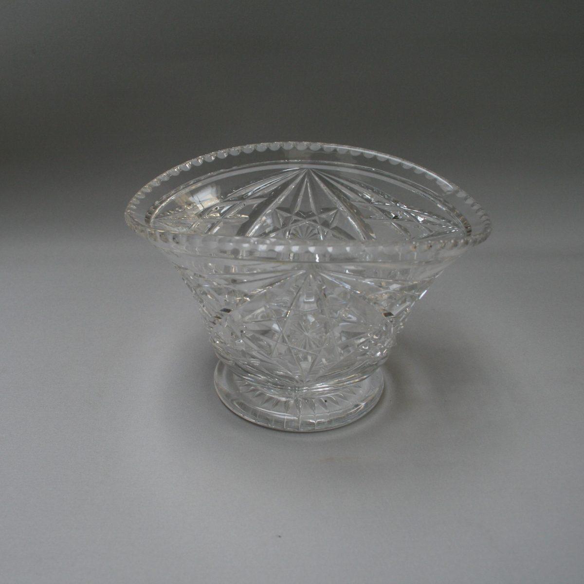 Cut glass vase/williamsantiques