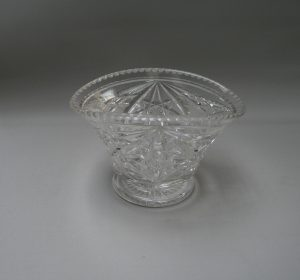 Cut glass vase/williamsantiques
