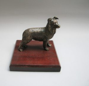 cast bronze of a collie dog/williamsantiques