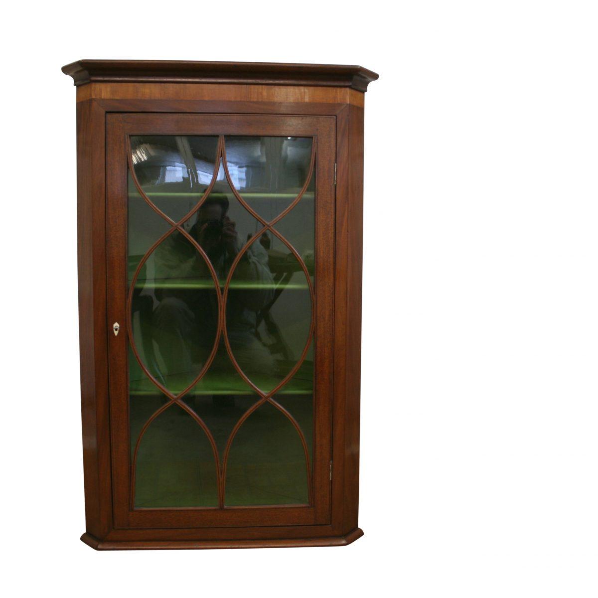 Georgian mahogany hanging corner cabinet/williamsantiques
