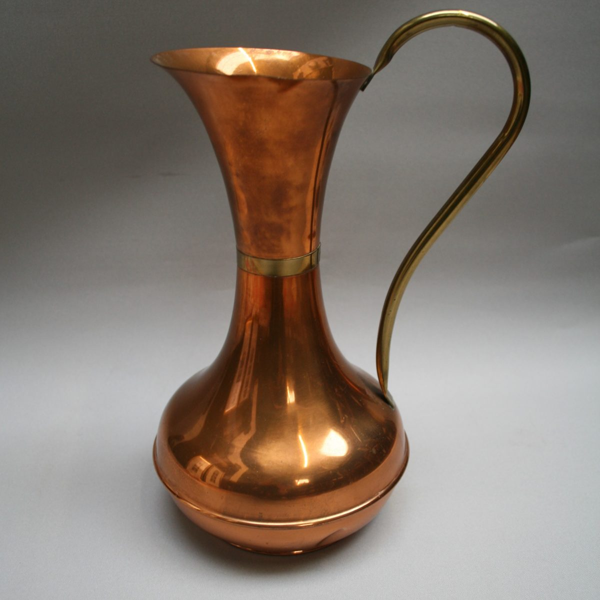 copper jug with a brass collar/williamsantiques