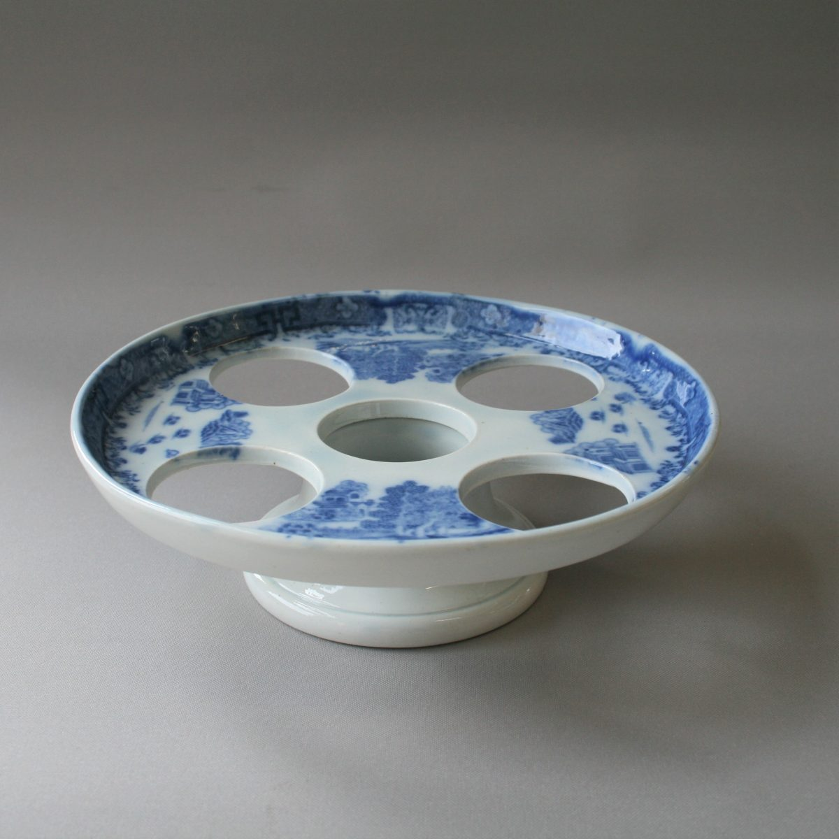 blue and white pottery egg holder/williamsantiques