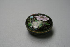 round black cloisonné trinket box/williamsantiques