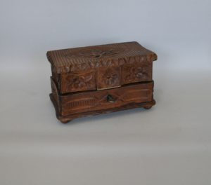 Indian carved wood jewellery box/williamsantiques
