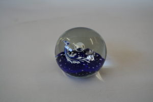 round paperweight with dark blue glass/williamsantiques