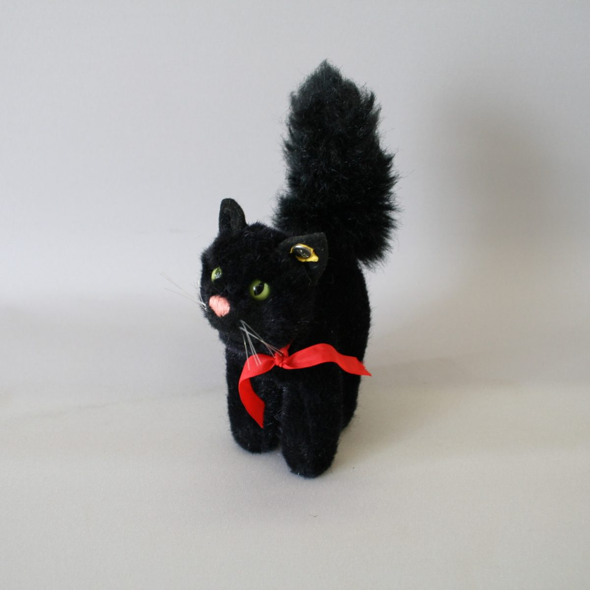 Steiff black cat toy with Steiff metal tag/williamsantiques