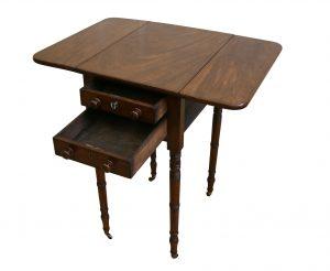 Georgian mahogany Pembroke table/williamsantiques