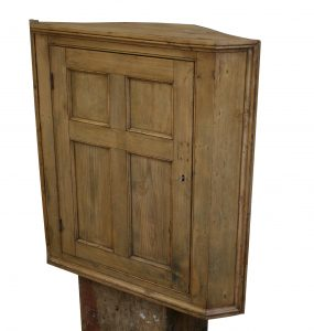 Victorian pine hanging corner cupboard/williamsantiques