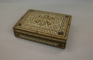Moroccan style wooden trinket box/williamsantiques