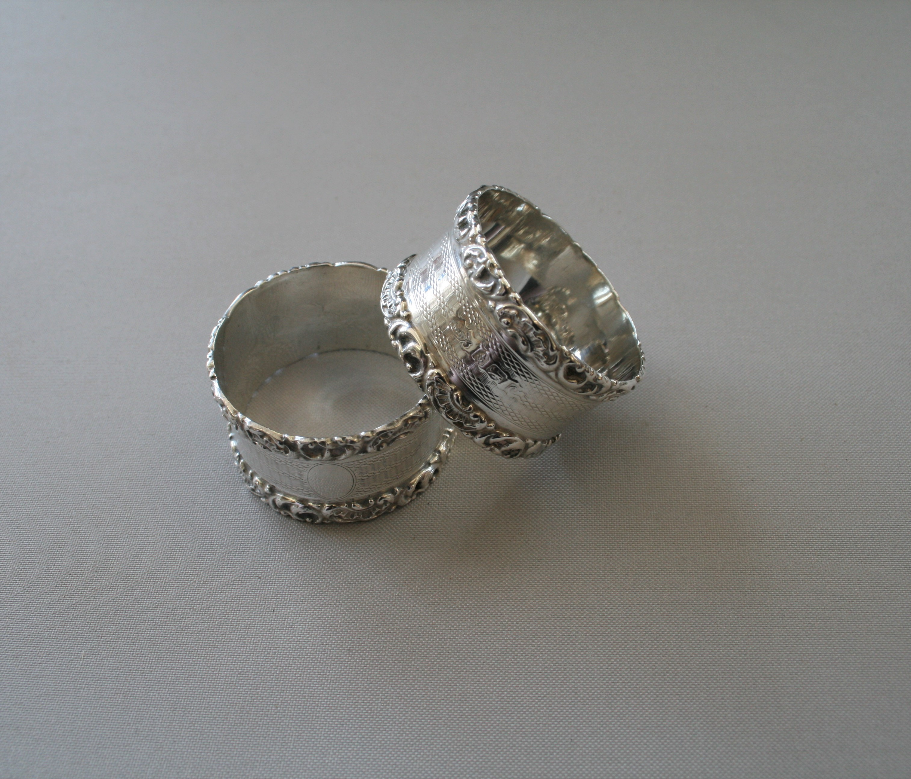 A Pair Of Boxed Silver Napkin Rings 1902 Williams Antiques