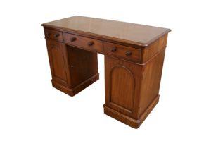 Victorian mahogany pedestal desk/wiliamsantiques