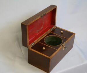 Georgian mahogany tea caddy/williamsantiques