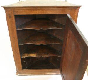 Georgian oak corner cupboard/williamsantiques
